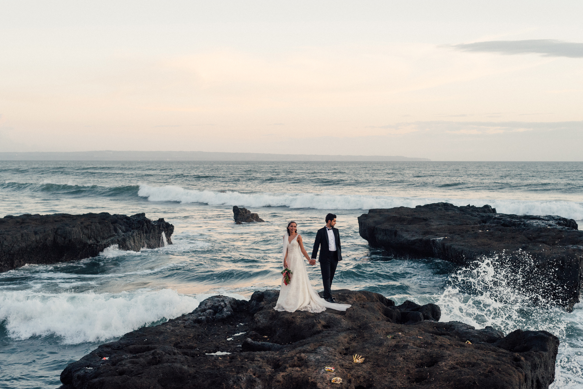 ali and duygu adventurous elopement in bali
